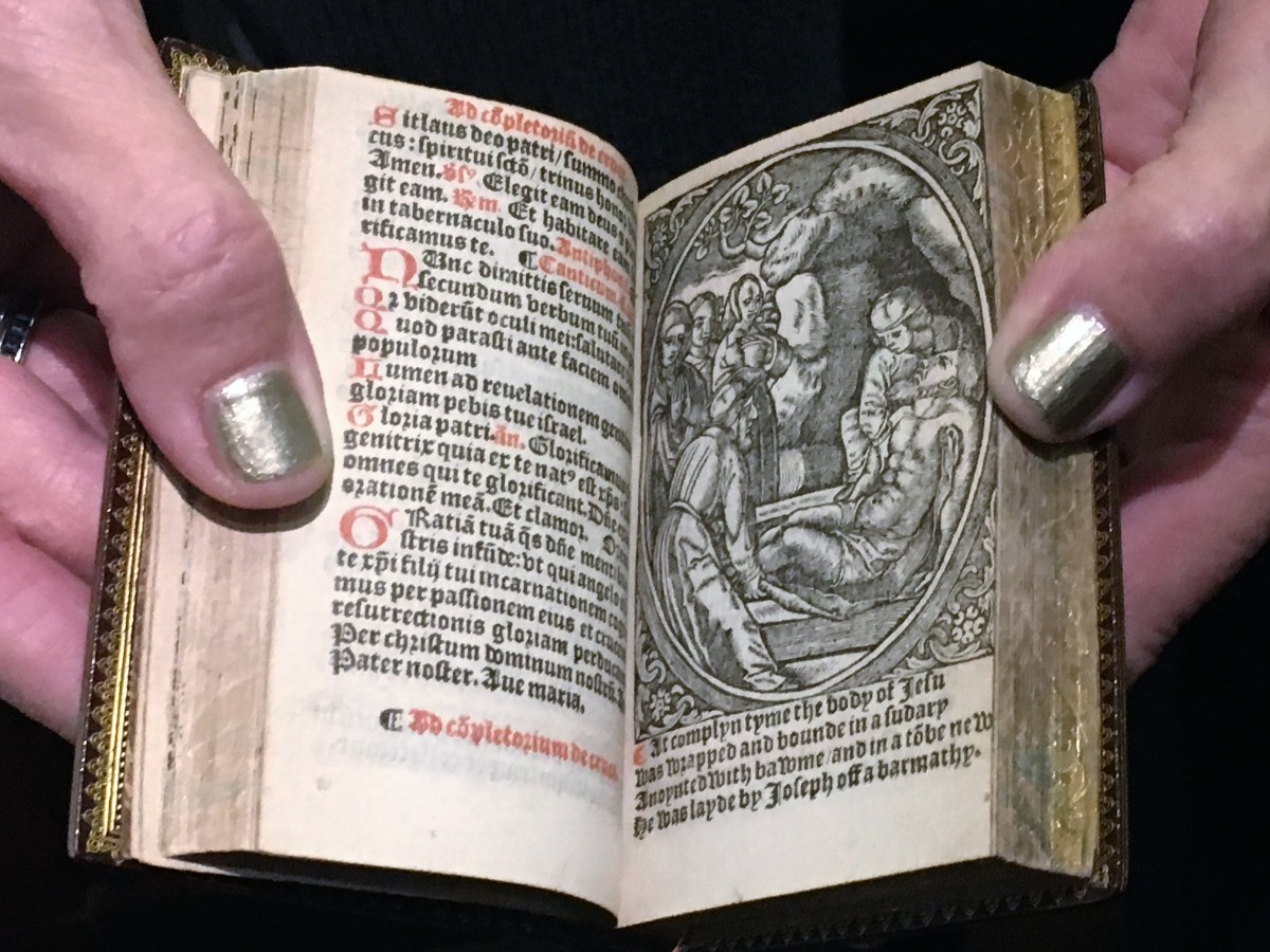 Miniature Books at Grolier Club put on a Mighty Show